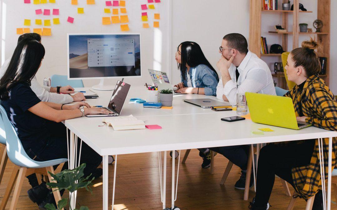Пет причини да отделите ежеседмично време за екипни срещи, за да подобрите ефективността на работата